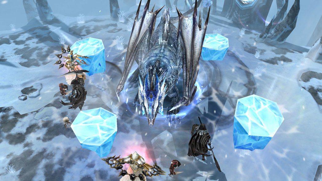 未來將每日定時開放2場討伐戰,讓玩家以隨機配對的方式10人一組,共同討伐強大的B...