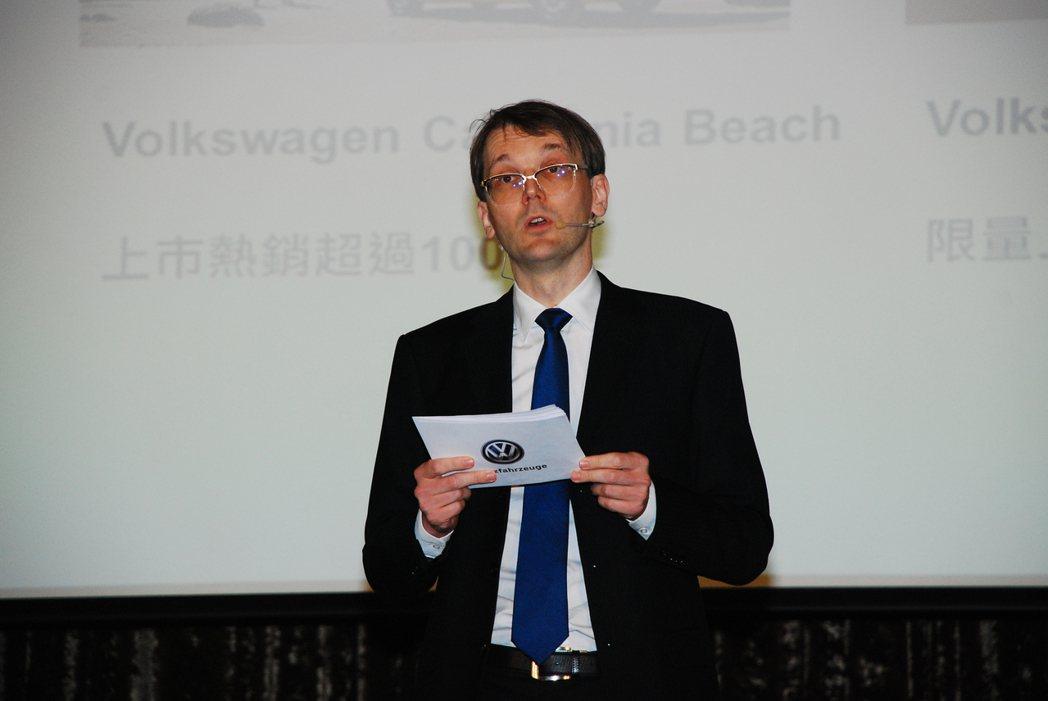 台灣福斯商旅總裁郭山達表示,2017年福斯商旅將持續導入更多車型豐富產品陣線。記者林昱丞/攝影