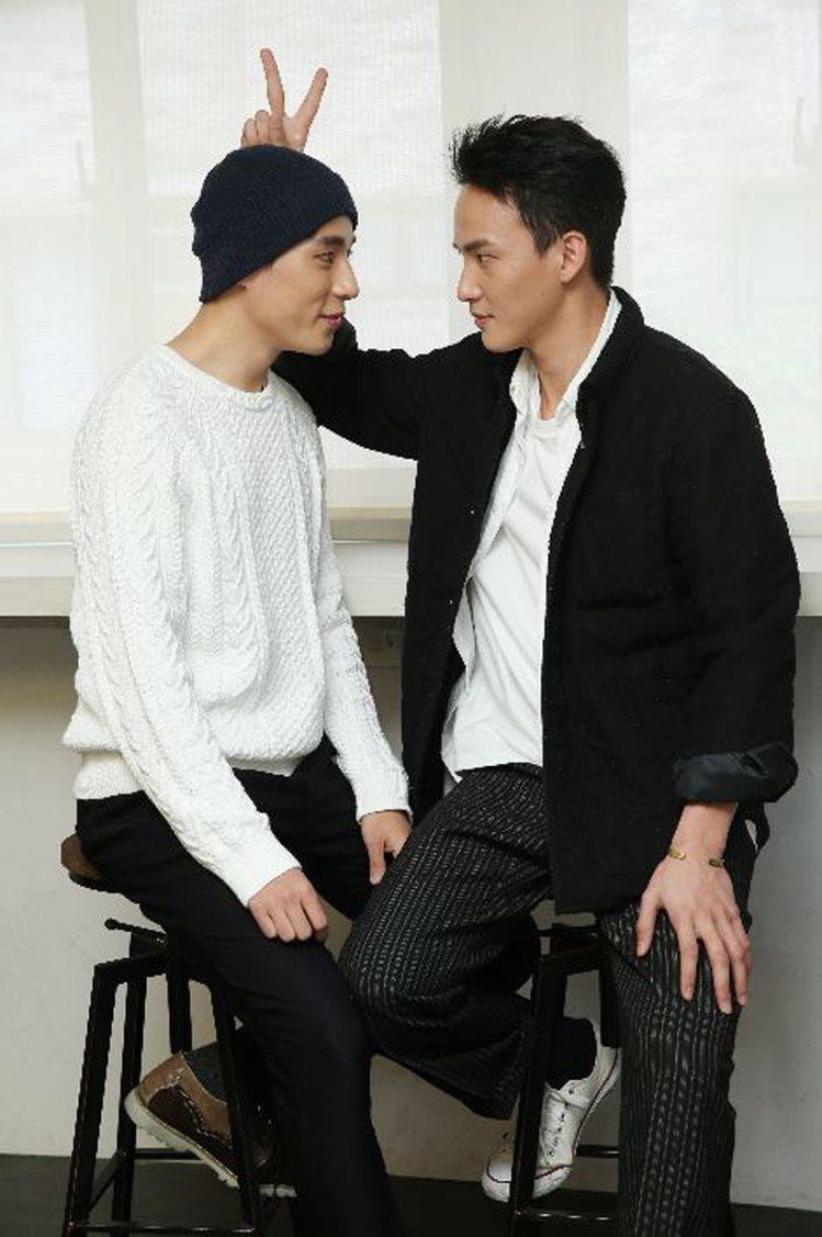 「天黑請閉眼」演員曹晏豪(右)與徐鈞浩(左)。圖/記者陳瑞源攝影