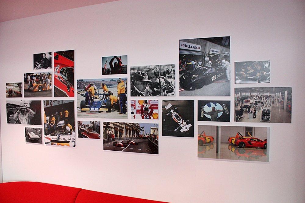 McLaren高雄展示中心內代表McLaren演進的Heritage Wall,很有歷史性。 記者林和謙/攝影