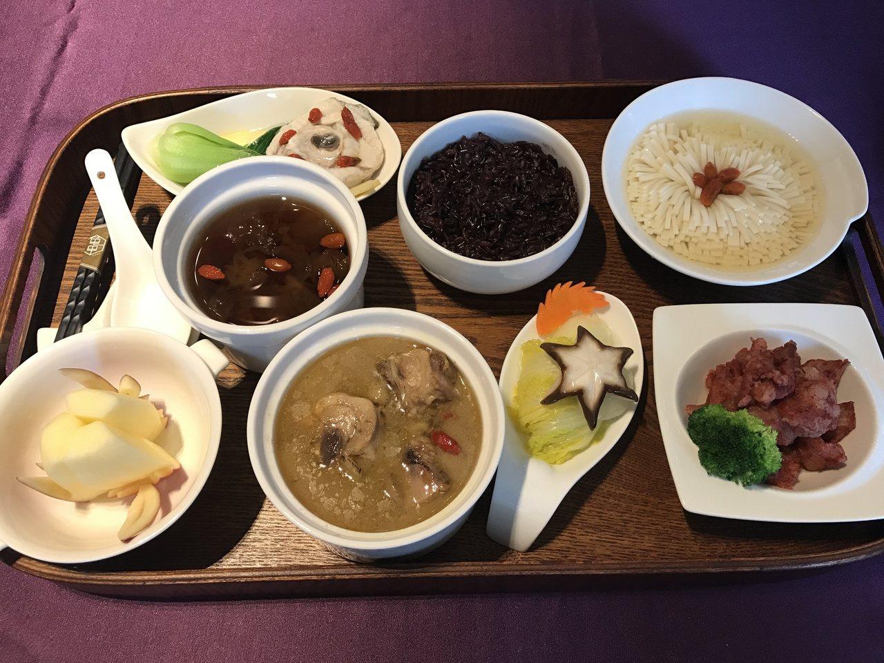 產後護理之家邀請阿基師料理月子餐。記者陳妍霖/攝影