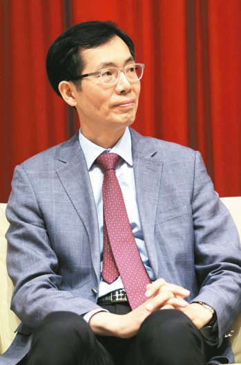 韓國慶熙大學教授元章源