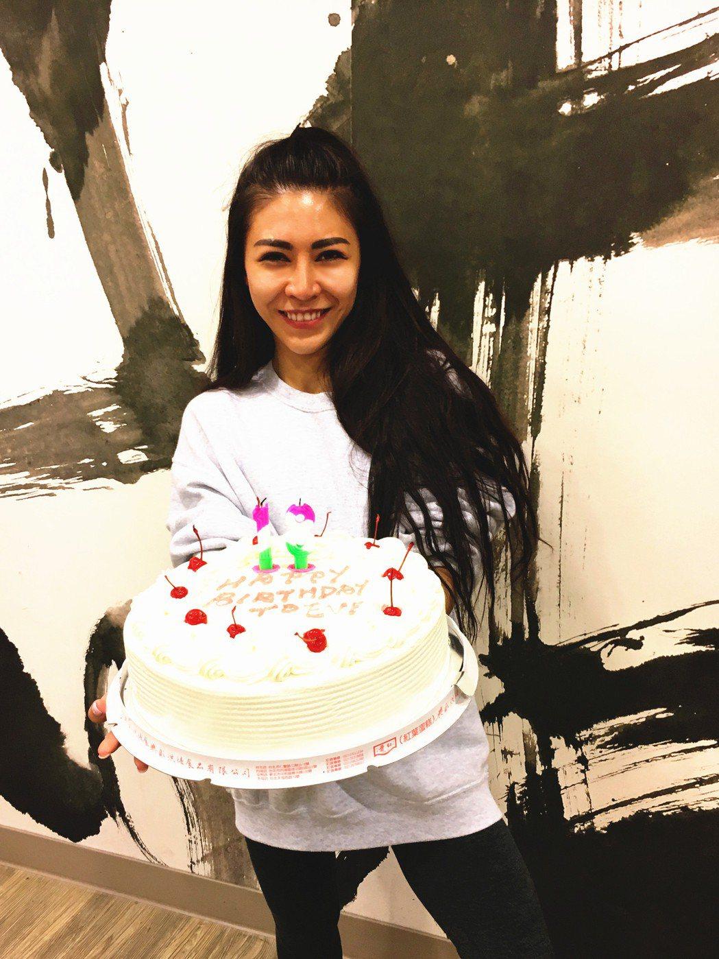 艾怡良24日歡慶30歲生日。圖/索尼提供