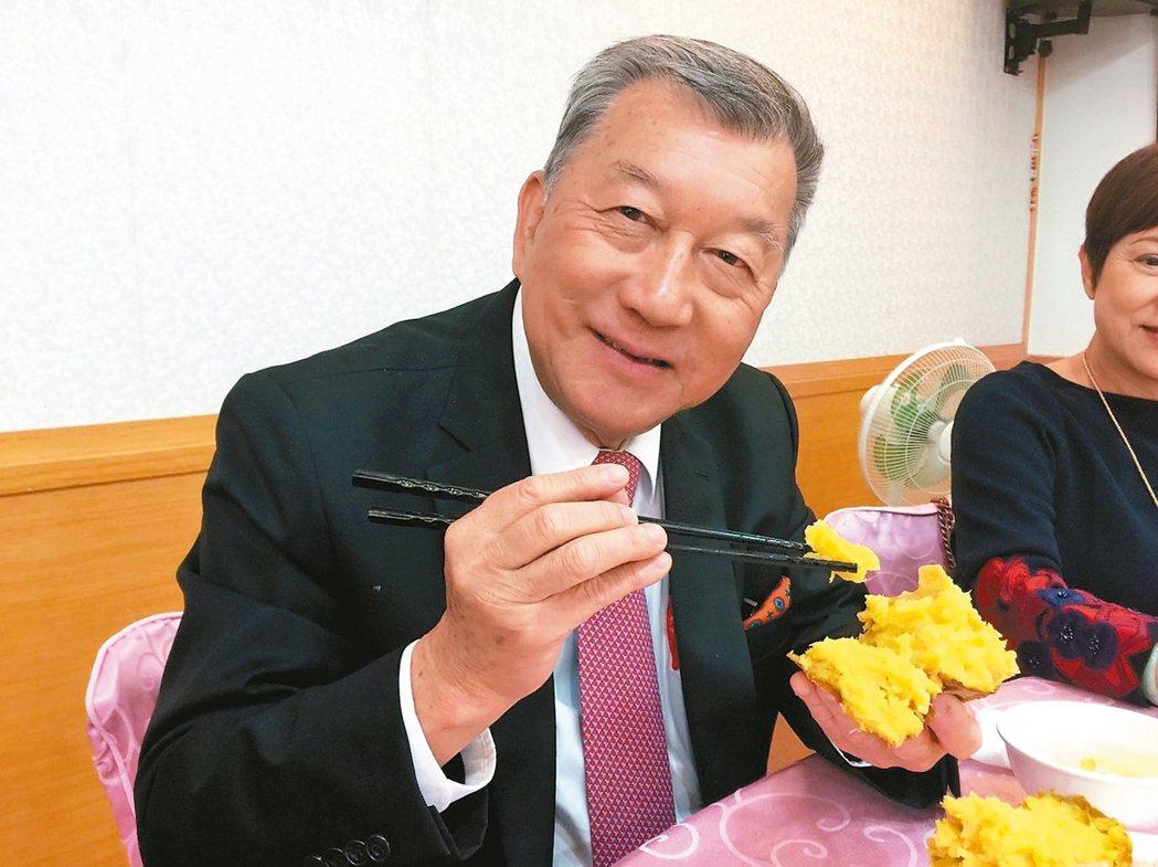 邱鏡淳小檔案年齡:68歲現任:新竹縣長養生一句話:「吃下去的東西很關...