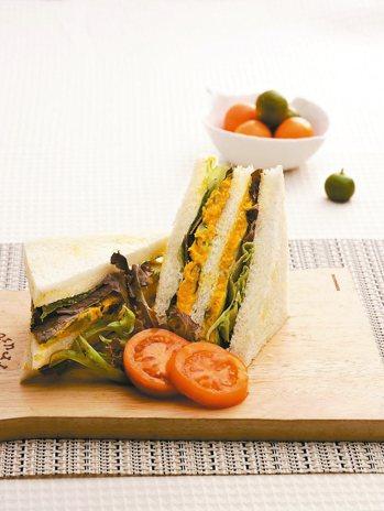 南瓜咖哩三明治