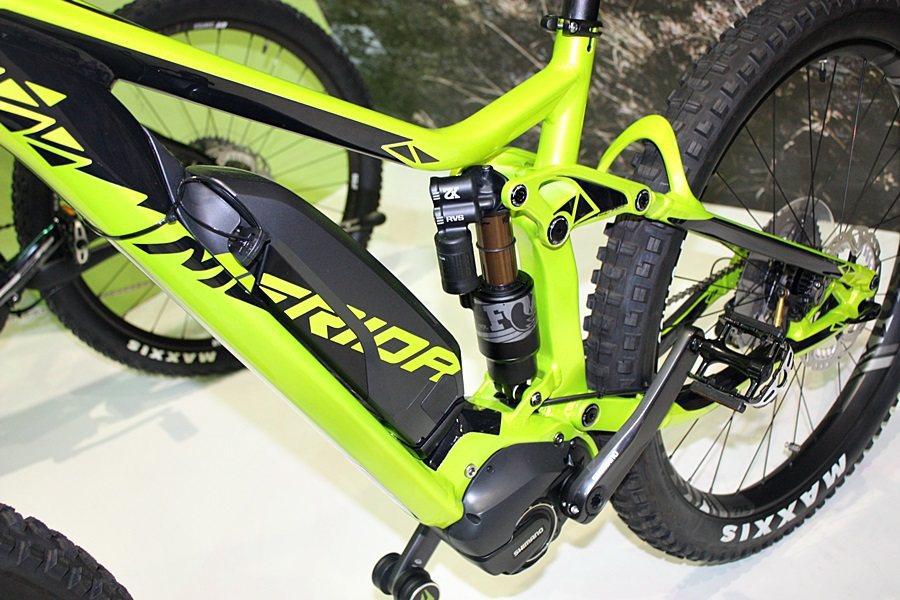 e160 900E電動全避震越野登山車,採用全球自行車零組件大廠Shimano製造的電動馬達。 記者林和謙/攝影
