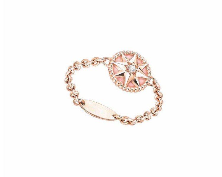 MINI ROSE DES VENTS粉紅蛋白石玫瑰金戒指,價格店洽。圖╱Dio...