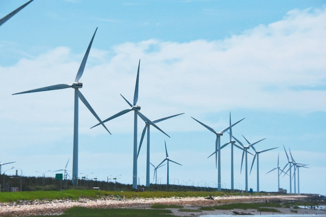 為落實非核家園,蔡政府力推再生能源,行政院將綠能建設列入前瞻基礎建設計畫,預計帶...