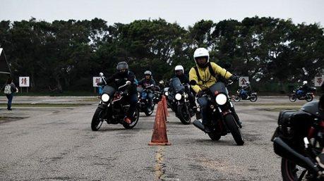 障礙物閃避 、緊急剎車 SYM安全駕駛課程很實用