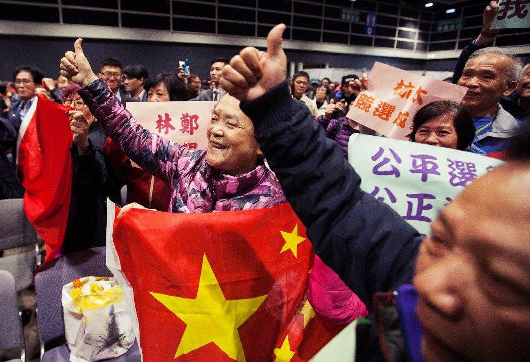 典型的香港政治傳統顯示,不管上任前民望多高,就任特首後民望都會直插谷底... 圖...