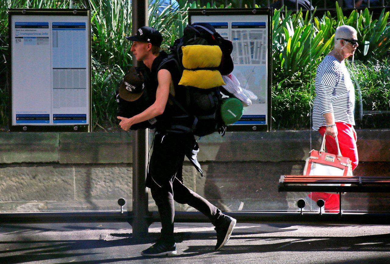 有些背包客認為自己只是時間待比較久的觀光客,並不需要去融入或理解當地社會。 圖/...