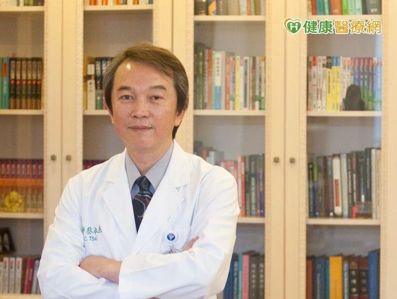 蔡永杰理事長提醒,更年期女性使用品質良好的黃體素搭配雌激素,不但不會增加乳癌風險...