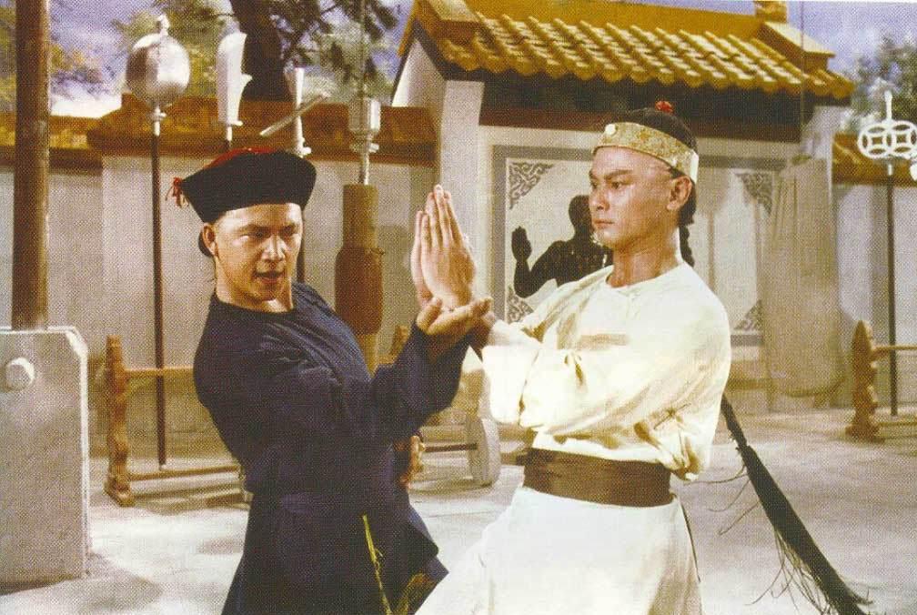 汪禹與劉家輝在邵氏「鹿鼎記」分飾韋小寶與康熙。圖/摘自brns