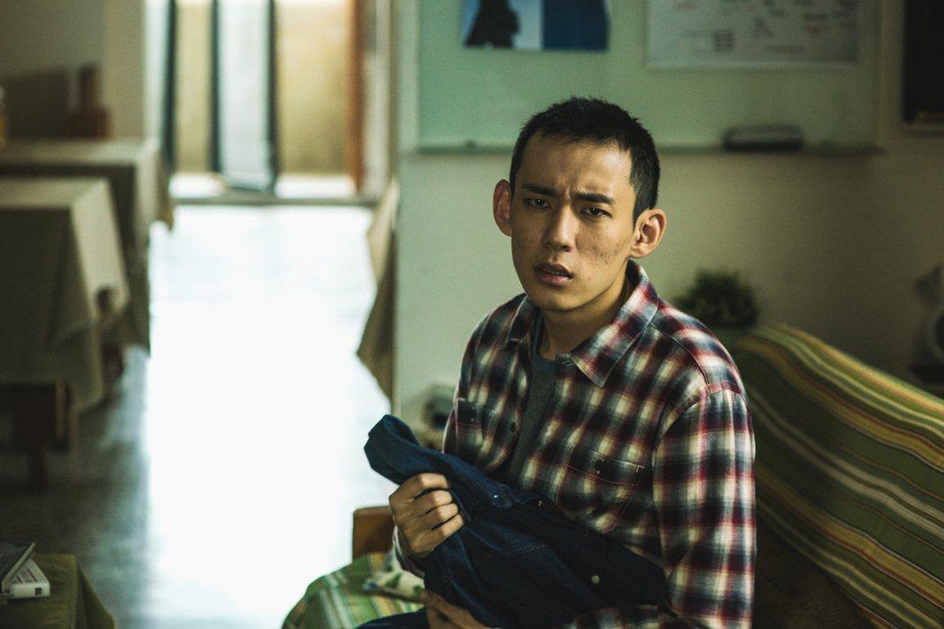 徐鈞浩在「夢裡的一千道牆」中不但重度躁鬱還砍傷人。圖/好風光提供