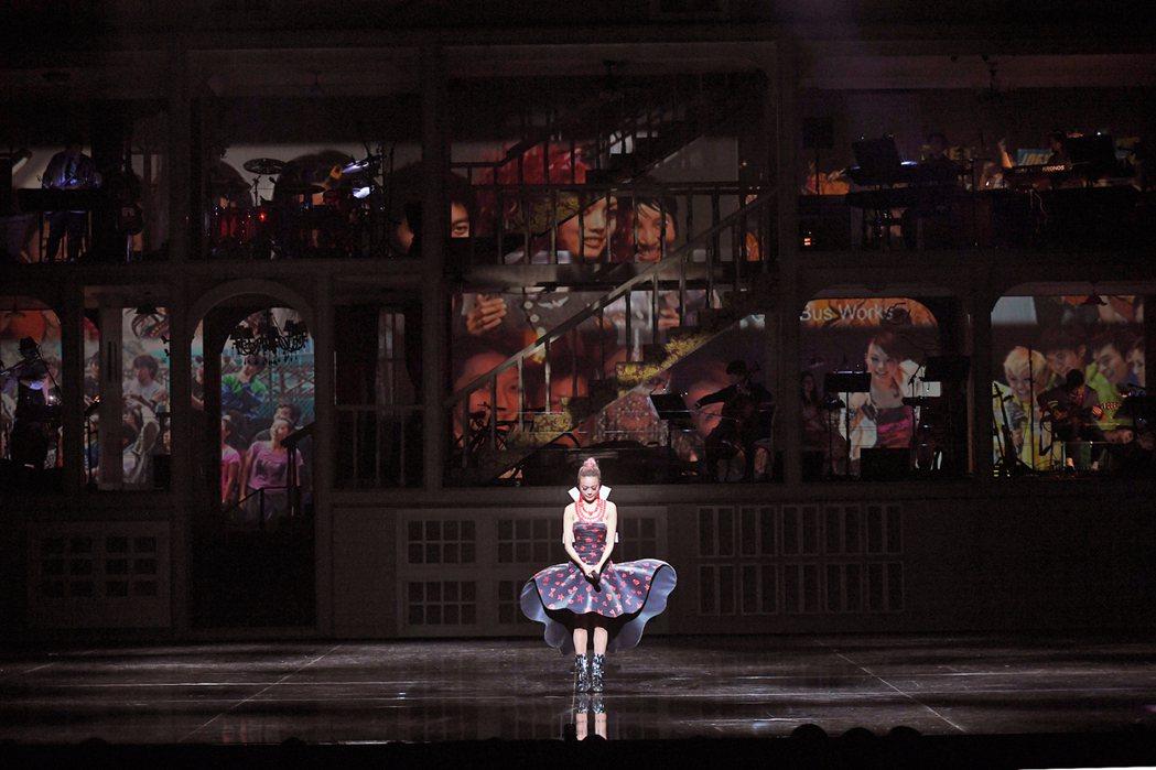 容祖兒「My secret live」香港演唱會,以自己的房間為設計主軸。圖/英...