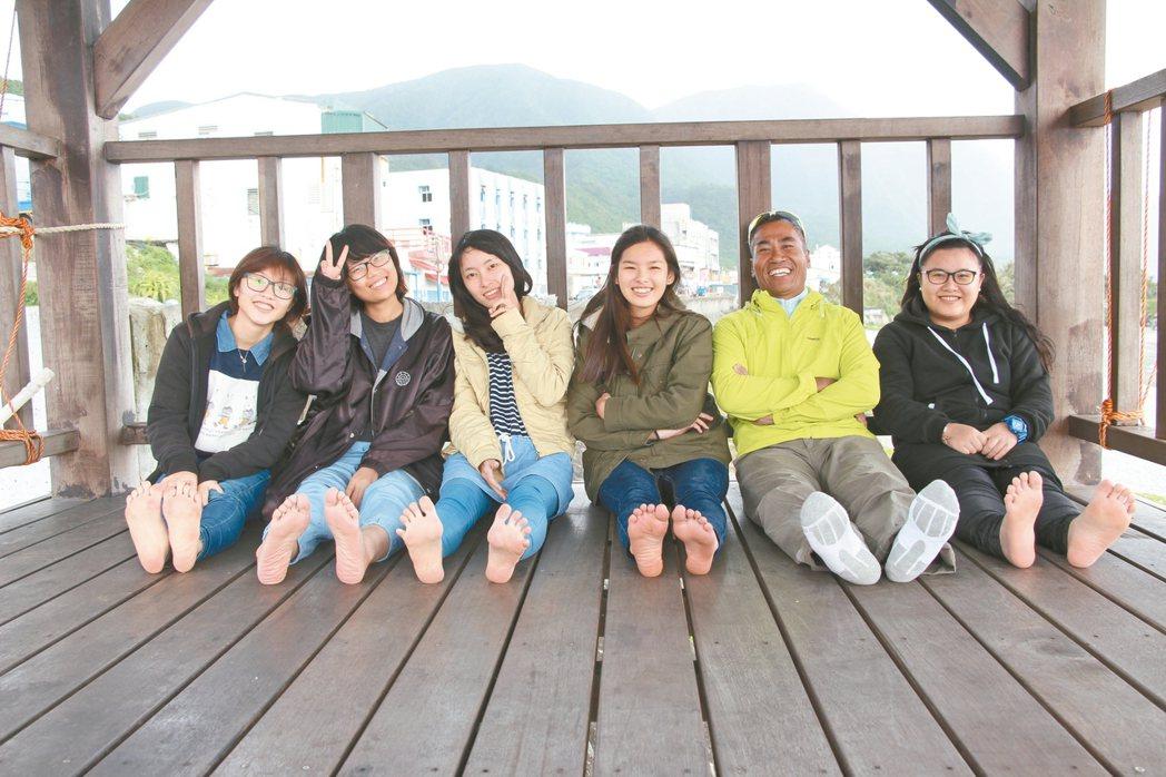 台積電青年築夢計畫獲獎團隊--「蘭後」全體成員,左起為:林采璇、陳榕佳、劉昱、鄒...