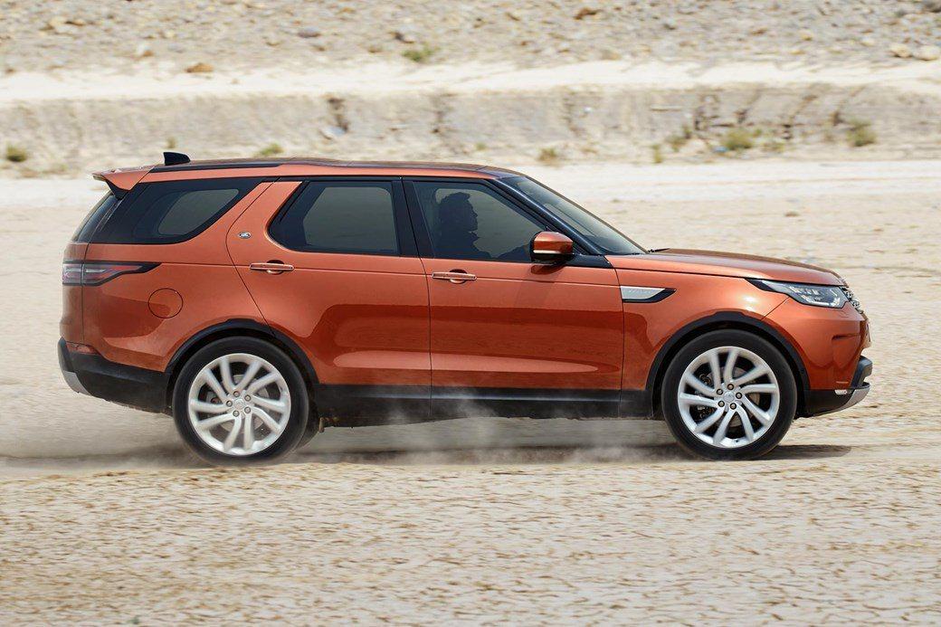 Discovery擁有強大的越野能力。摘自 Jaguar Land Rover