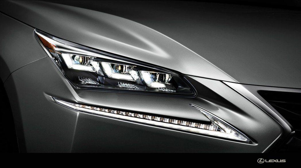 現行Lexus NX的頭燈造型。 圖/Lexus提供