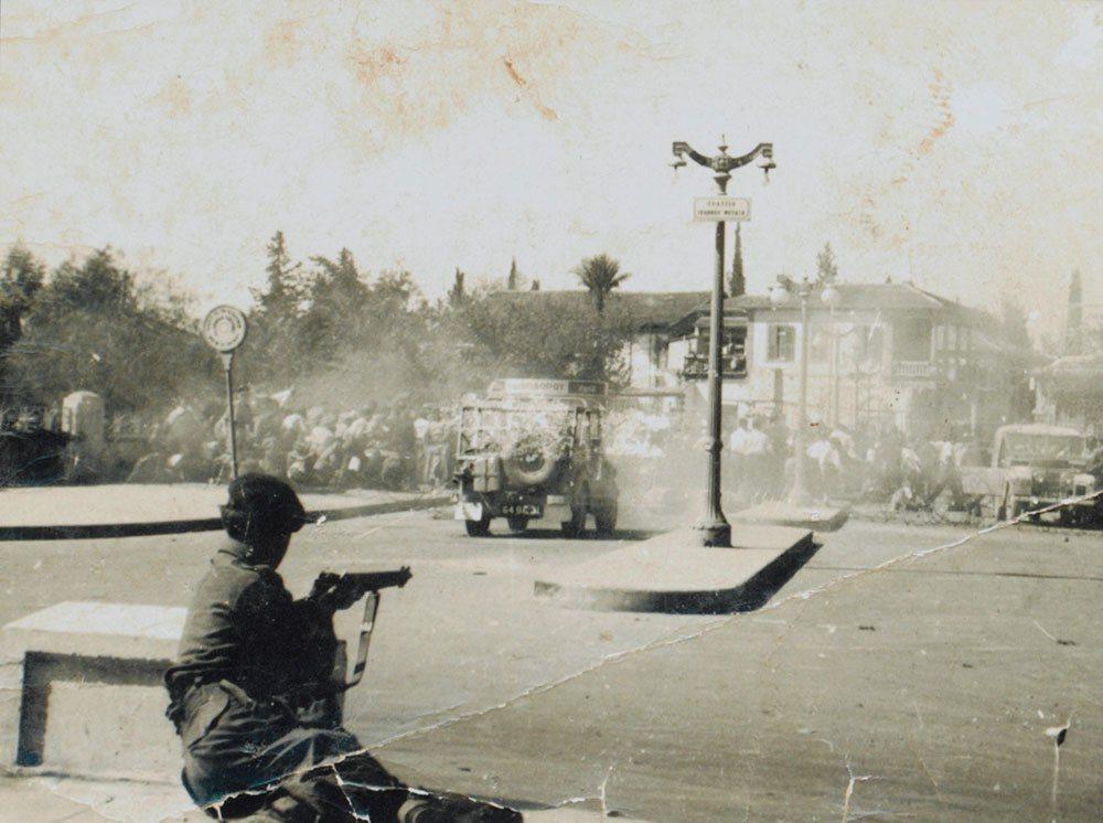 1956年賽普勒斯危機,EOKA部隊與英軍在尼古西亞醫院附近交戰。 圖/維機共享