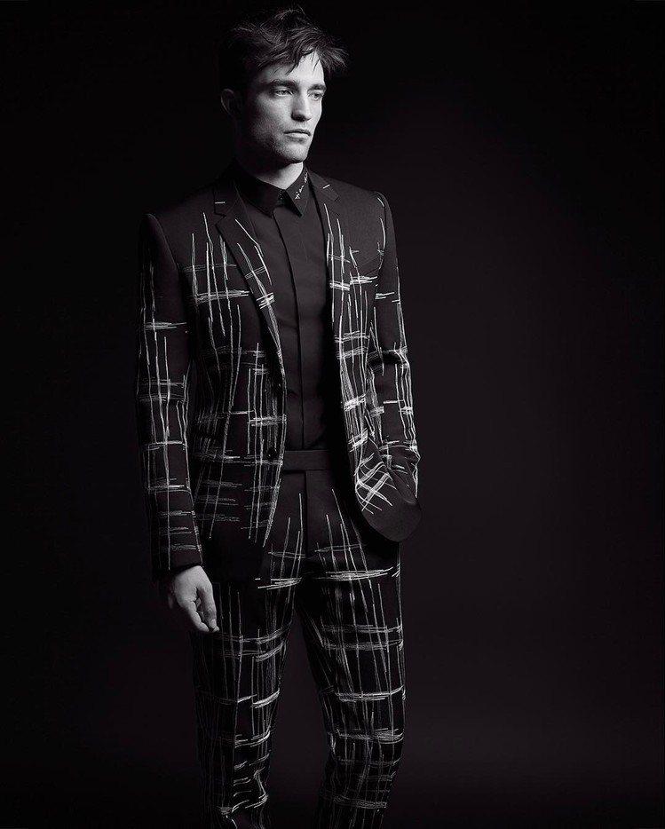 羅伯派汀森拍攝DIOR HOMME Black Carpet 2017秋季系列的...