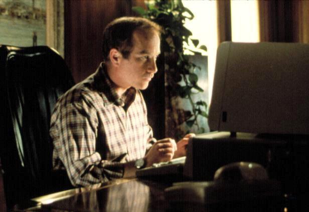 奧斯卡影帝李察德瑞佛斯扮演成年後的男主角。圖/摘自imdb
