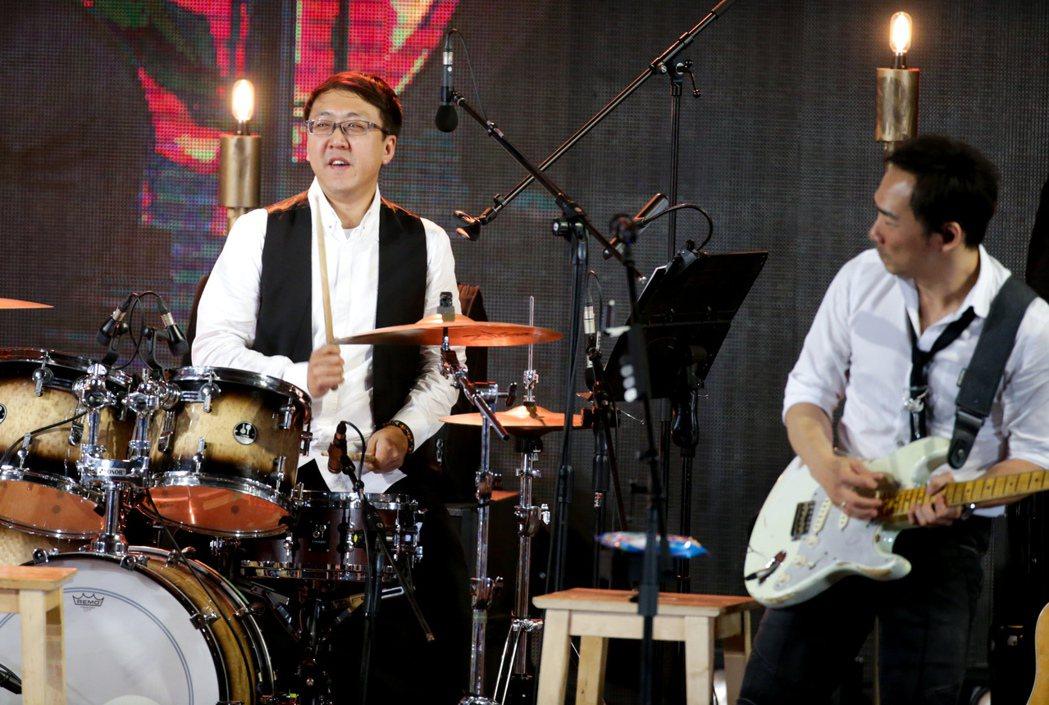 五月天第一代鼓手達叔現身。記者程宜華/攝影