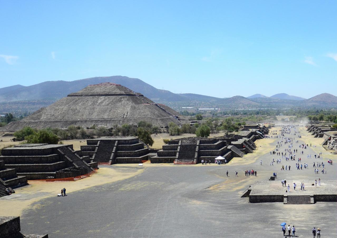 墨西哥特奧蒂瓦坎的太陽金字塔。 新華社