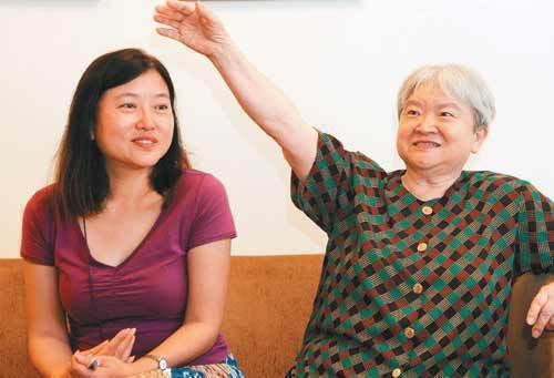 劉慕沙(右)、朱天衣(左)母女。圖/本報資料照片