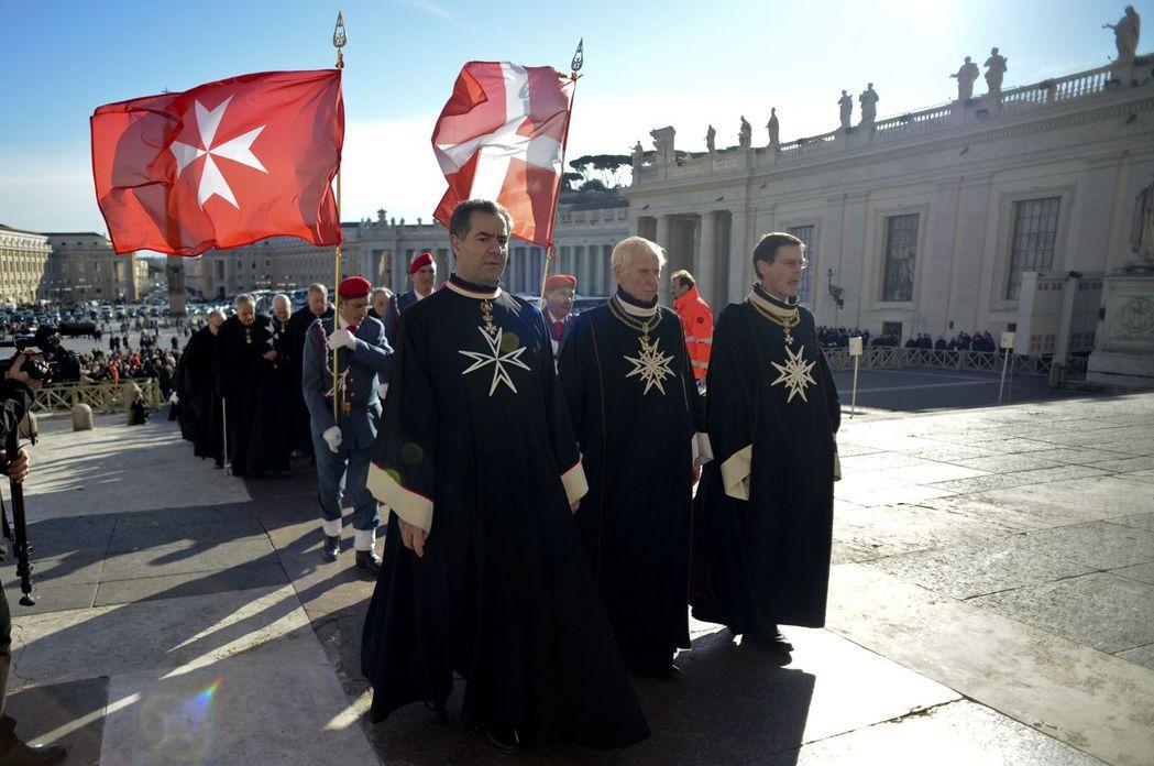 馬爾他騎士團的前身為十字軍時期成立的醫院騎士團,現為宗教與慈善組織、也同時是一個...