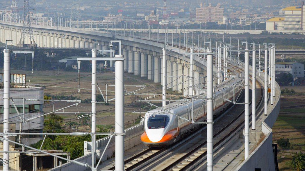 行政院日前宣布最遲今年7月底高鐵全線免費無線上網。 聯合報系資料照