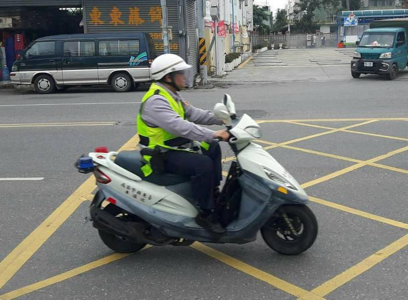 大環境的改變,年輕員警幾乎都不會騎打檔車,反而習慣騎速克達。 記者尤聰光/攝影