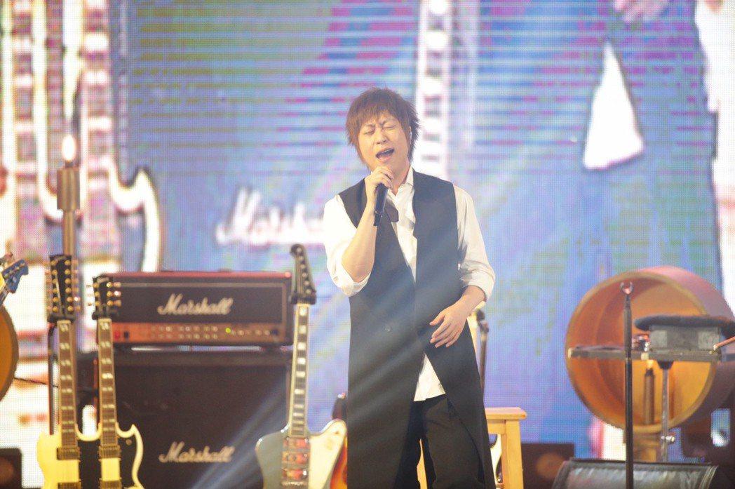 五月天3月29日在大安森林公園開唱。記者程宜華/攝影