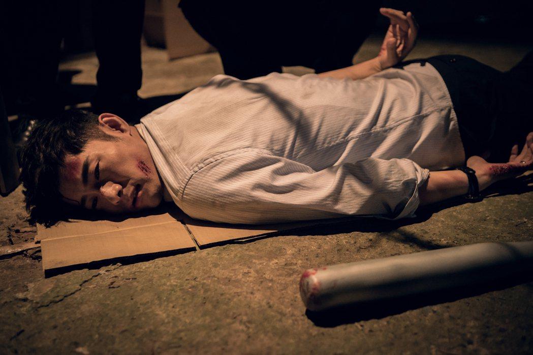 施易男在「積木之家」中遭毒打。圖/好風光提供