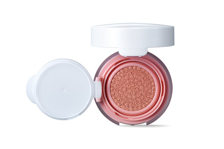 IOPE水潤光感舒芙蕾粉凝乳氣墊腮紅#1粉紅,售價1,000元。圖/IOPE提供