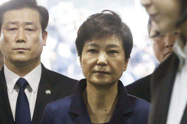 朴槿惠鋃鐺入獄  選舉女王政治生涯告終