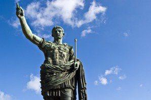 民主時代中,人們為何還需要皇者?