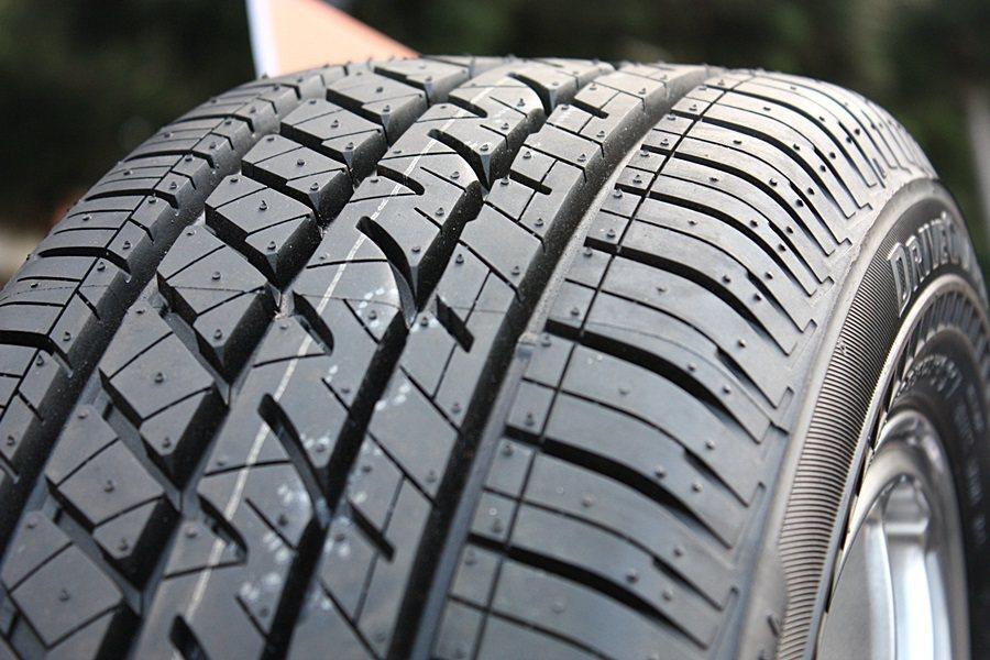 採用第三代RFT技術的DriveGuard失壓續跑胎。 記者林和謙/攝影