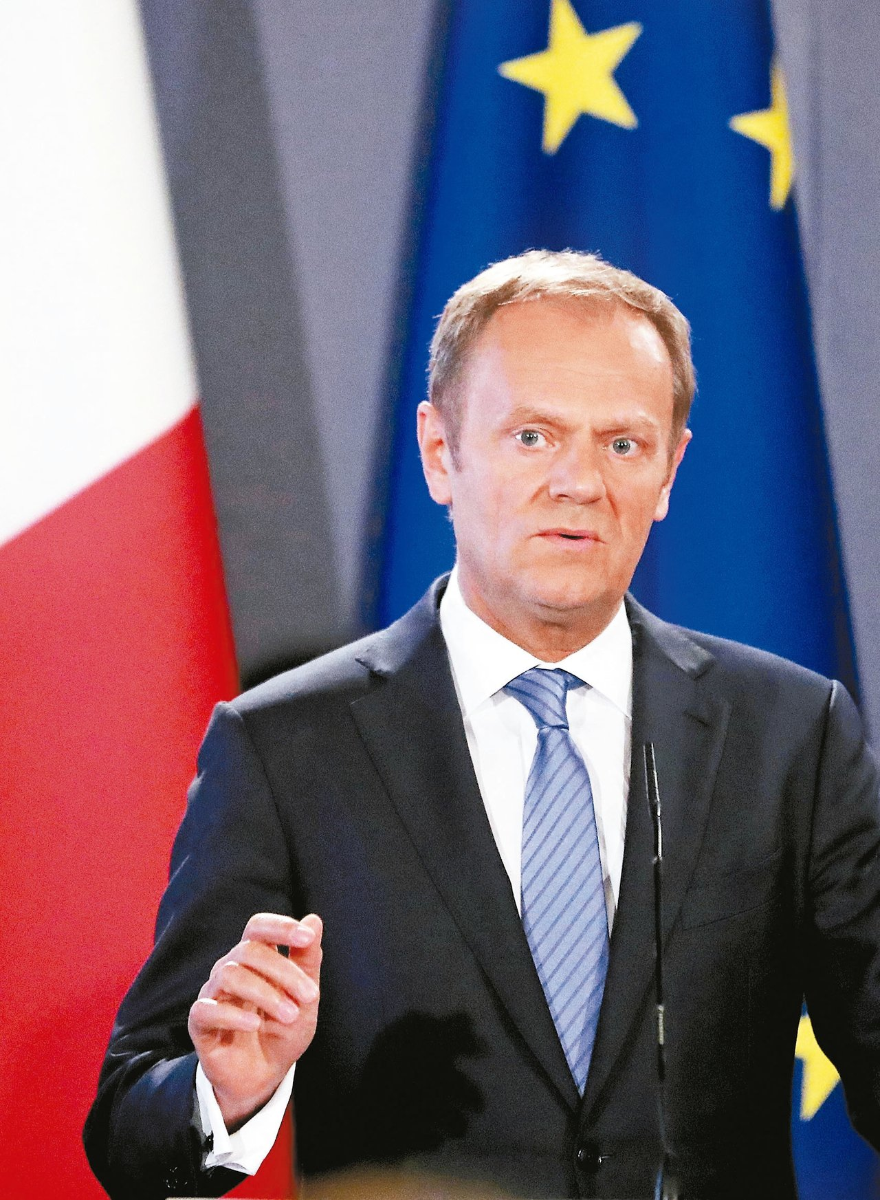 歐洲理事會主席圖斯克說明歐盟與英國談判的草案。 歐新社