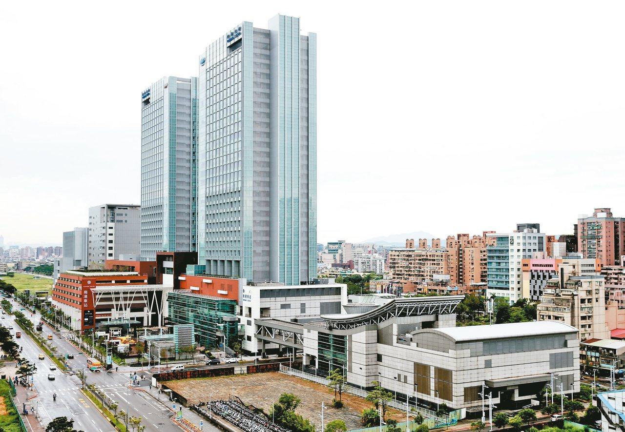 台北市政府將啟動「東區門戶計畫」以南港車站為中心,共有包括流行音樂中心、南港瓶蓋...