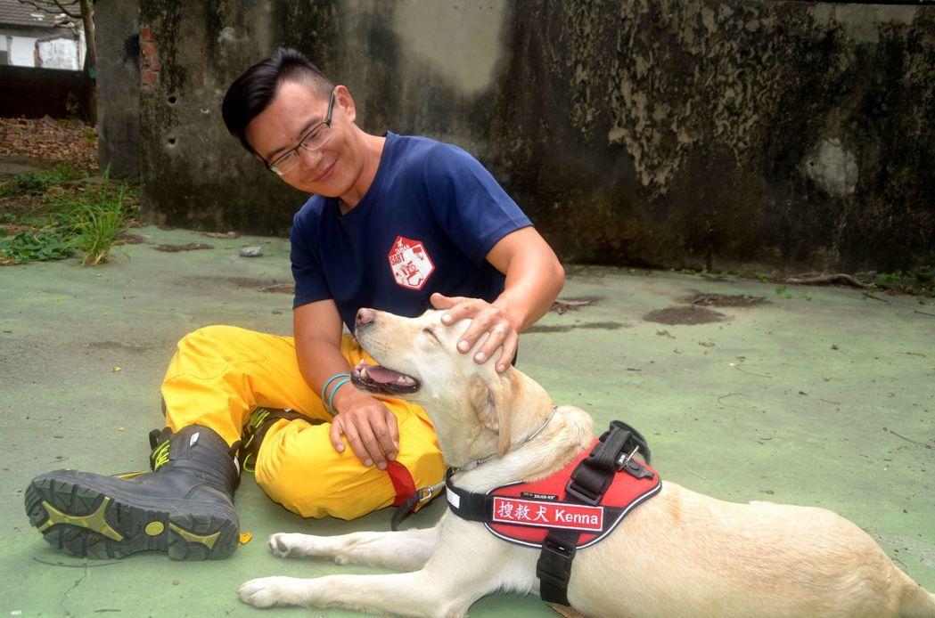 「吃貨」才能當英雄!搜救犬的徵才指南