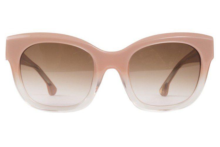 Alice+Olivia 粉紅鏡框太陽眼鏡,8,900元。圖/Alice+Oli...