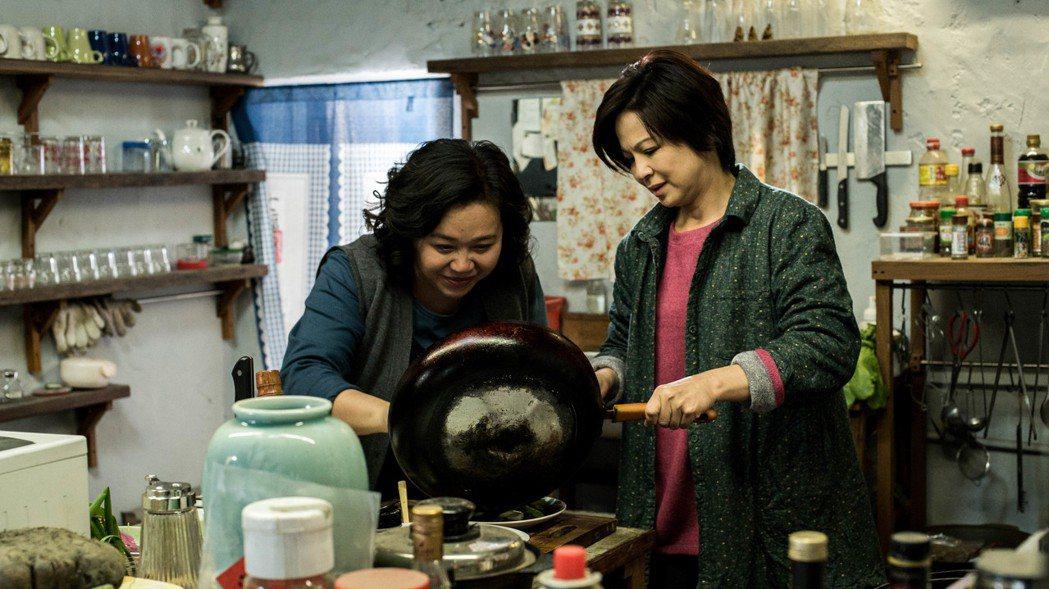 楊貴媚、鍾欣凌演出「媽媽不見了」。圖/民視提供