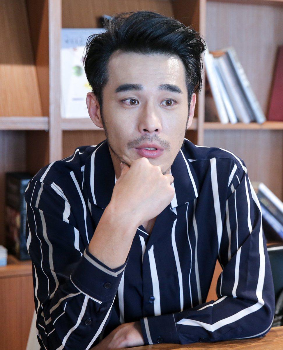 黃騰浩接受本報專訪,暢談闡述勞動意識的新劇「勞動之王」之拍攝歷程。記者程宜華/攝...