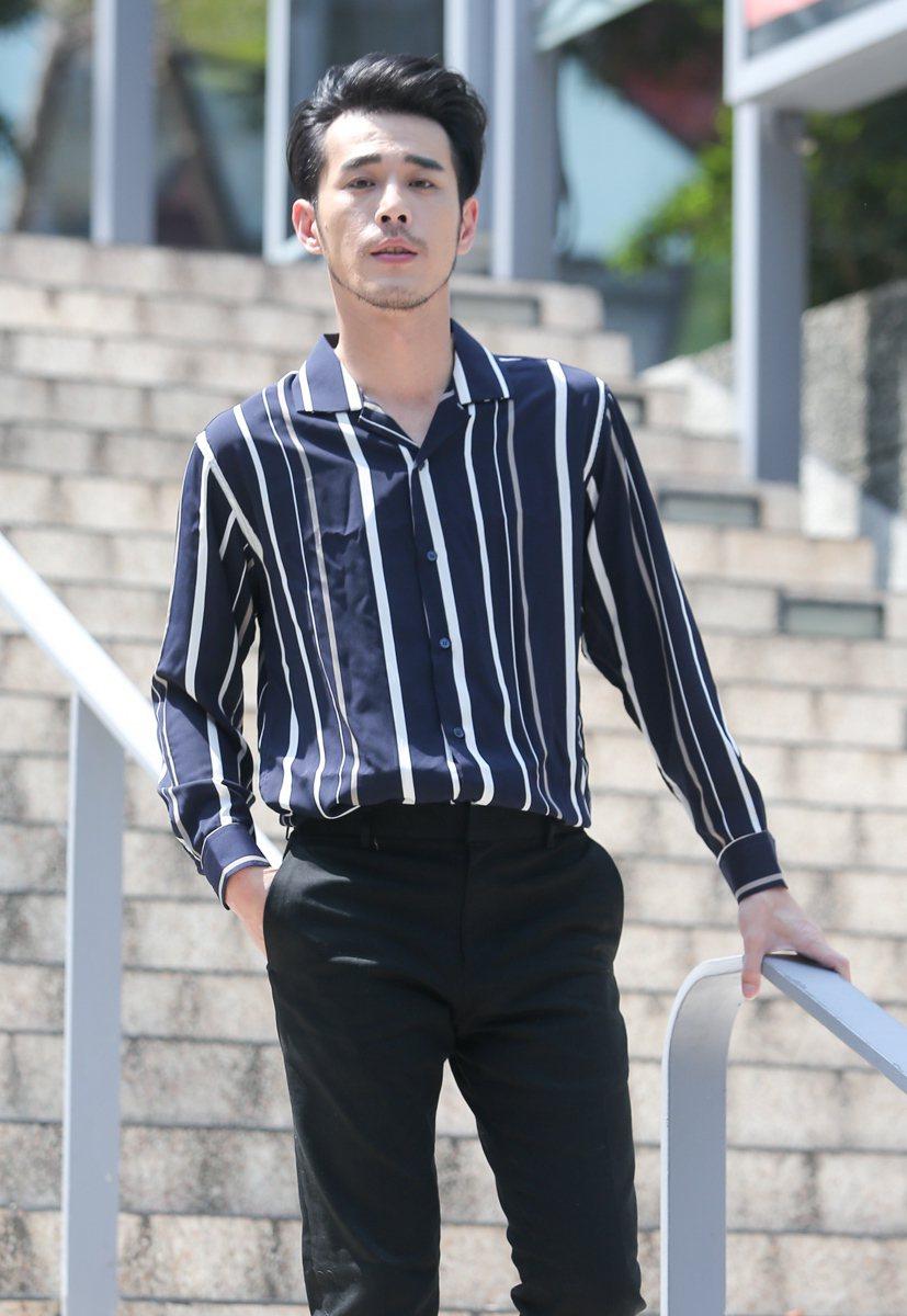 黃騰浩接受本報專訪,回到當年舉辦粉絲見面會的城市舞台場地。記者程宜華/攝影