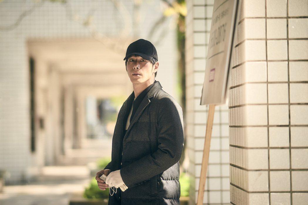 黃騰浩演出「勞動之王」體驗勞工之苦。圖/客台提供