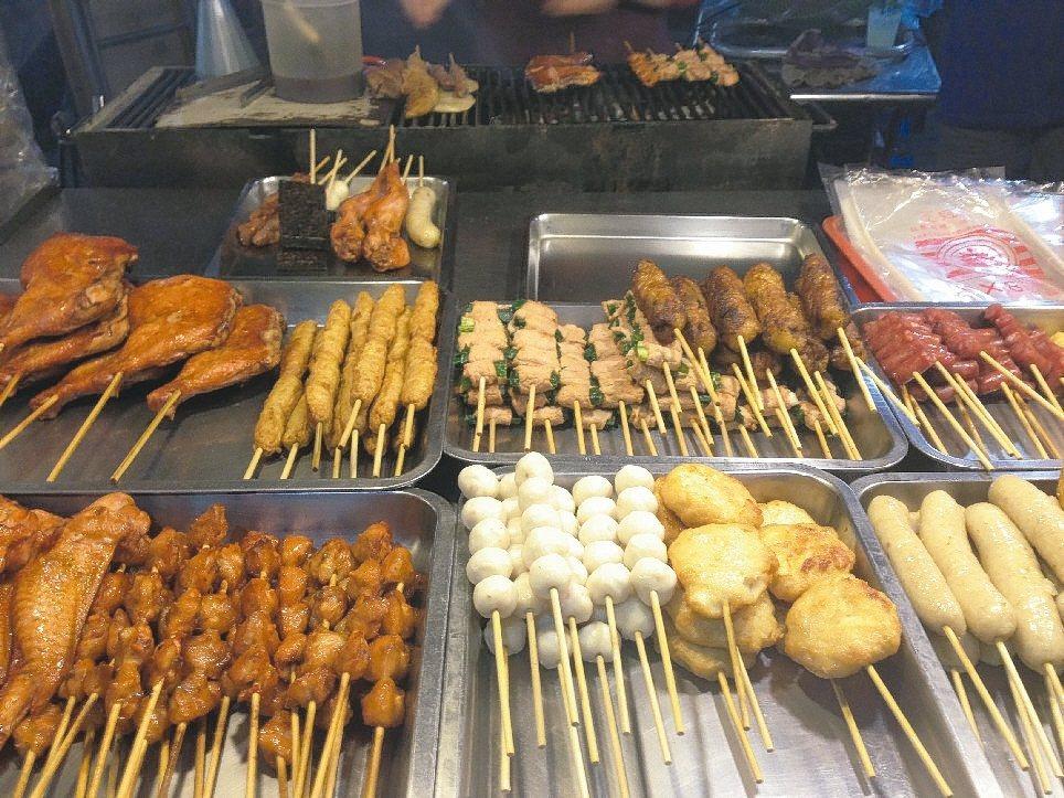 鹽酥雞、烤肉業者油煙味常遭民眾抗議。 本報資料照片