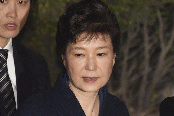 朴槿惠食不下嚥 女警全天監視