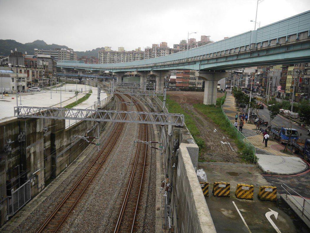 蔡政府推「前瞻計畫」,80億規模的基隆輕軌捷運搶頭香。圖/基隆市政府提供