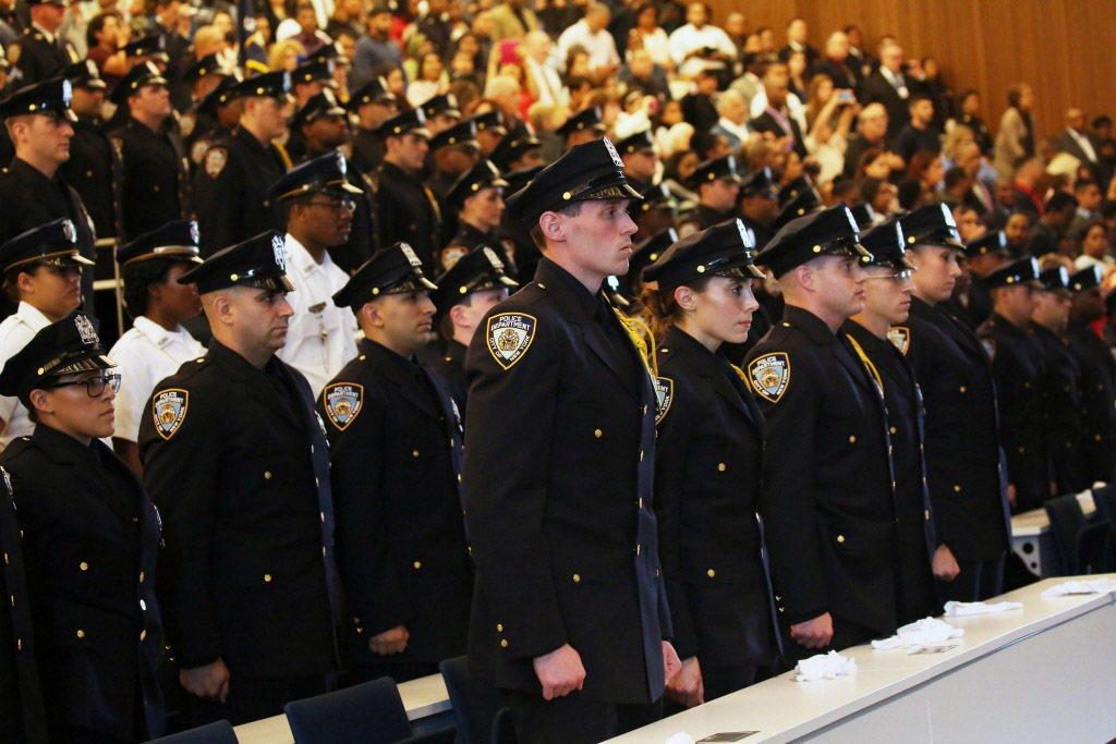 警察制服怎麼改? 看看外國怎麼做
