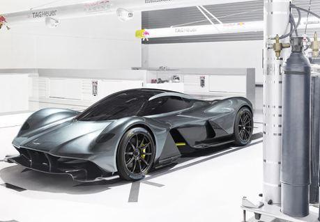Aston Martin Valkyrie超跑現身 搭配米其林高性能胎